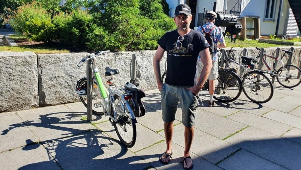 BLE MELDT TIL POLITIET: Sykkelen til Paal Sjøvall ble stjålet fra sykkelparkeringen utenfor blomsterbutikken på Kolbotn torg. Det skjedde rundt klokken 19:00 mandag 15. juni. Låsen ble trolig fjernet ved hjelp av en elektrisk kutter.