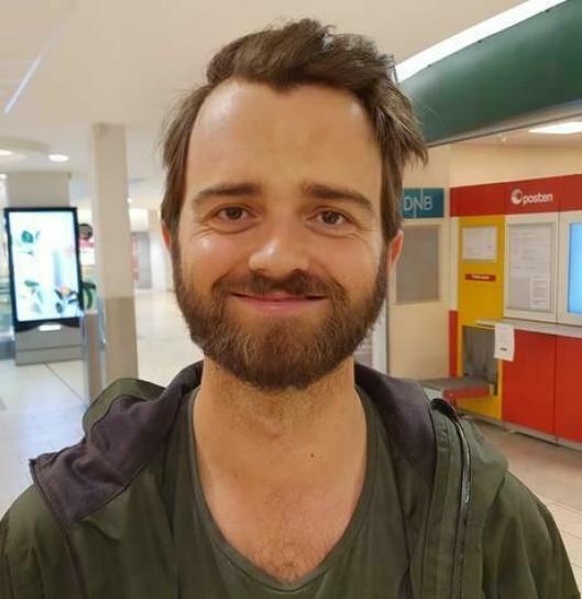 VIL GJERNE BADE I KOLBOTNVANNET: Alejandro Wold (27) fra Kolbotn.