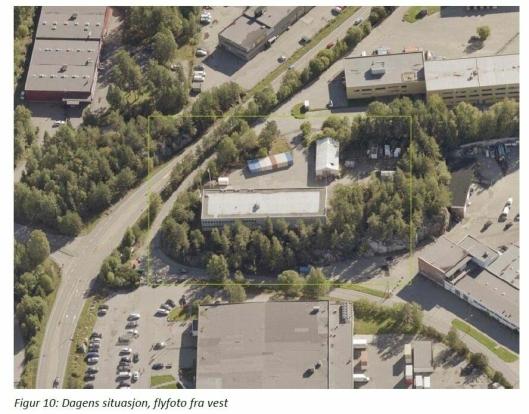 SKAL RIVES: Planområdet preges av lager- og industribebyggelse fra 1960–1980-tallet (et bygg som kombinerer lager og kontor, en telthall som fungerer som lager og en trafokiosk).