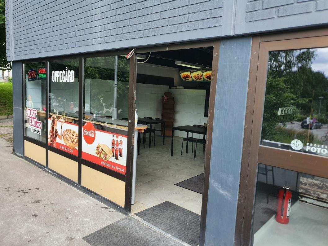 HOLDER ÅPENT HELE UKEN: Pizzakongen holder til i Sætreskogveien 4.