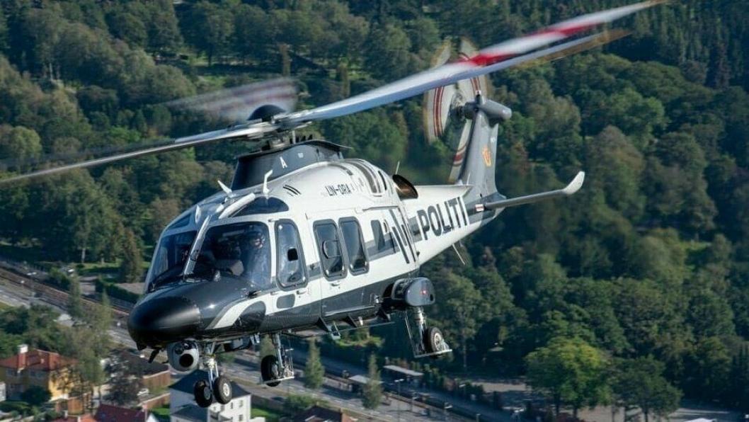 ITALIENEREN: Det var for ett år siden at politiet mottok tre nye helikoptre, og de italienske AW169-maskinene har ikke skuffet. Ett av disse helikoptrene kan du se over Taraldrud på onsdag.
