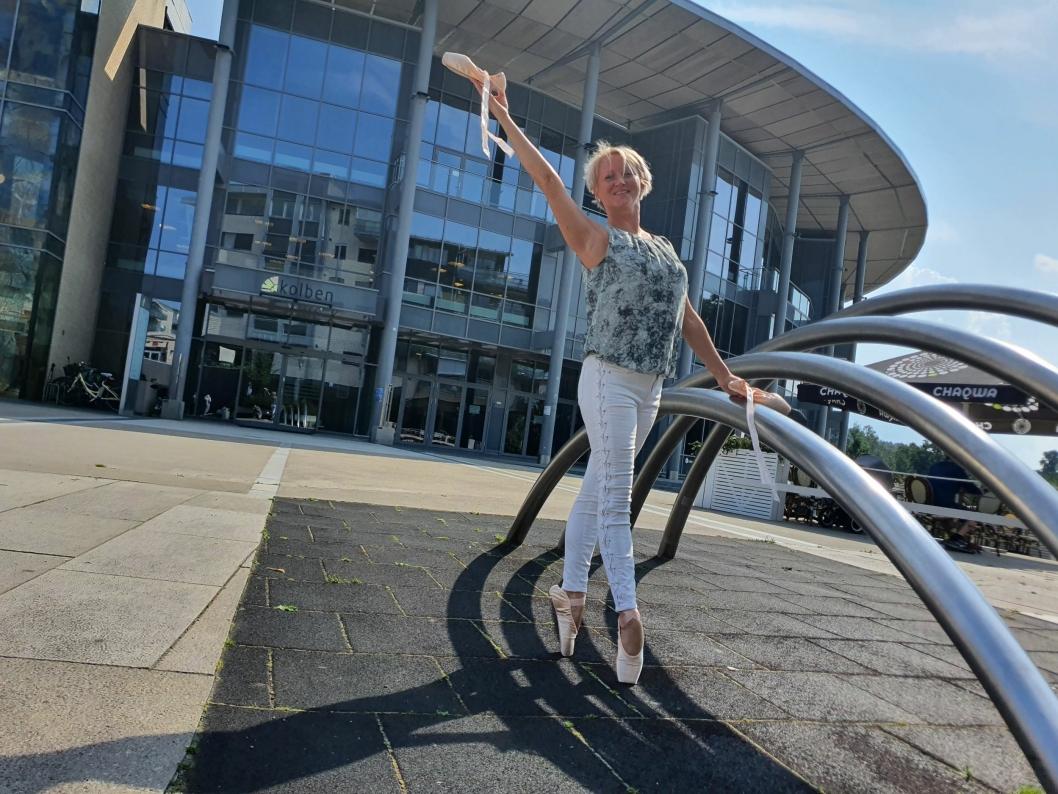 PROFESJONELL BALLETTDANSER: Ellen Eeg fullførte Statens Ballettskole i Estland og gikk derfra til fast jobb som profesjonell ballettdanser ved det Nasjonale Opera og Balletteater.