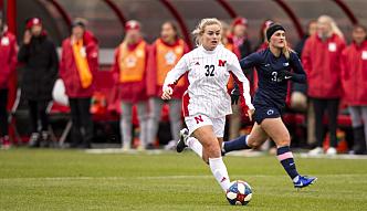 TALENT: Meg Brandt spilte tidligere på Nebraska Huskers. Hun regnes som et av de store talentene i amerikansk kvinnefotball.