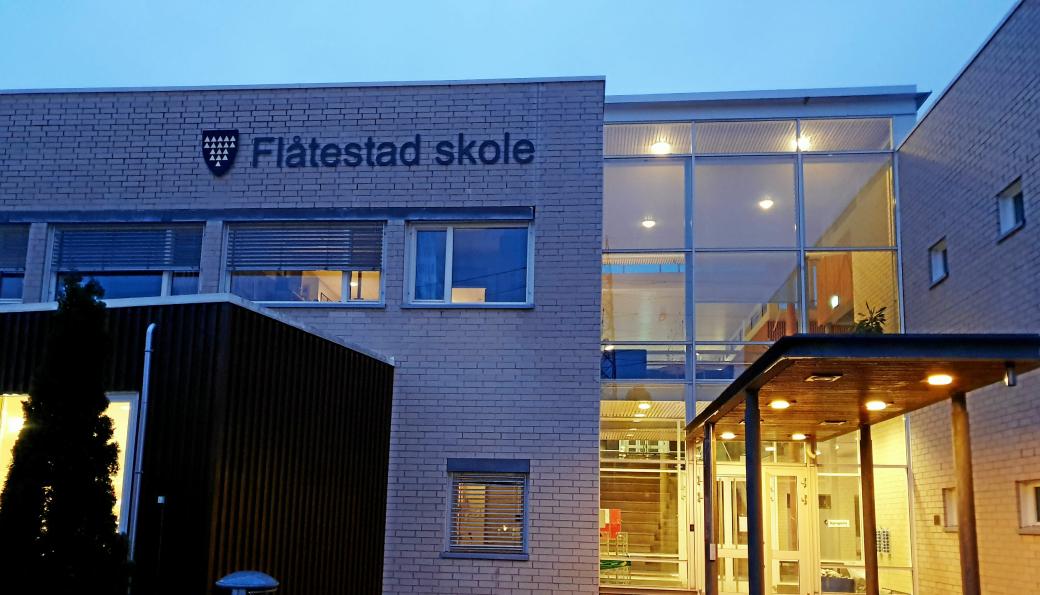 KARANTENE: 15 personer tilknyttet Flåtestad skole er i karantene etter at en person er koronasmittet.