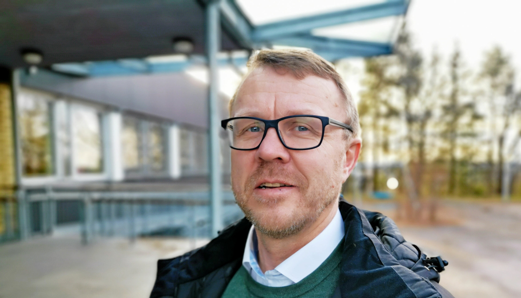 FORKLARER: Rektor Erling Berrum ved Ingieråsen skole forklarer den oppståtte situasjonen.