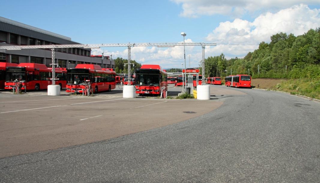 BUSSTREIK FRA SØNDAG: Etter brudd i forhandlingene om bussbransjeavtalen kjører ingen by- og regionbusser i Ruters område. Foto: Yana Stubberudlien