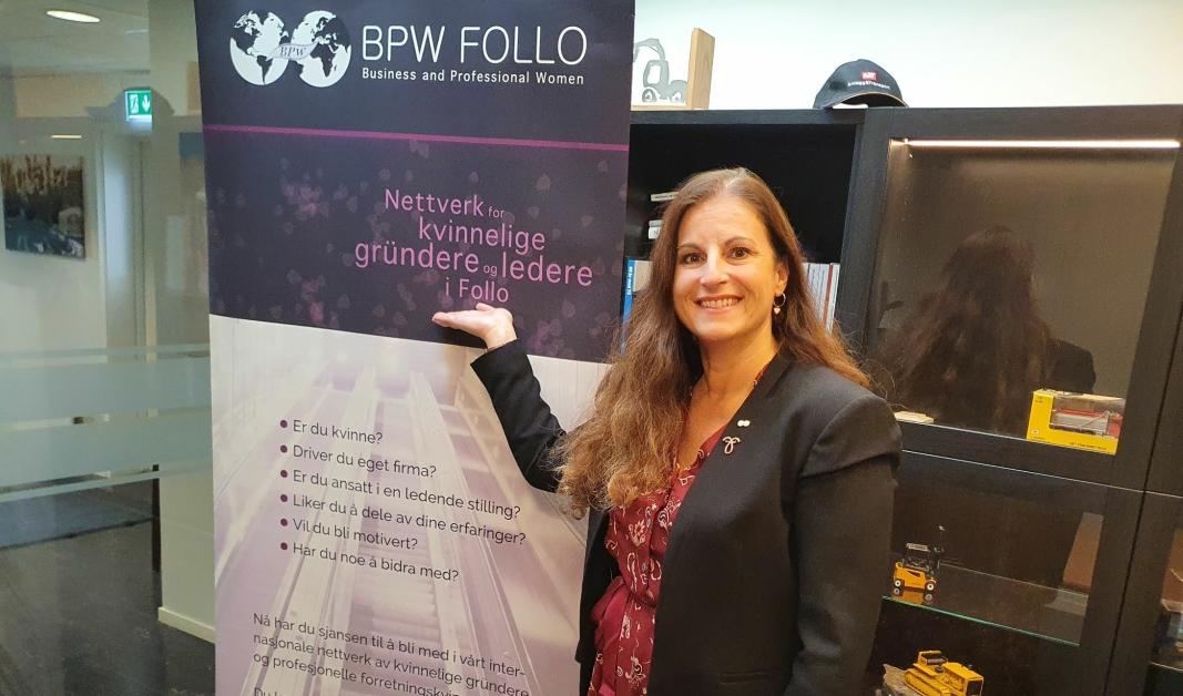 ØNSKER Å VOKSE VIDERE: – I dag er vi et nettverk bestående av rundt 30 kvinnelige gründere, men også ledere fra ulike bransjer i Follo, sier styreleder i BPW Follo, Esther Skiri. Foto: Yana Stubberudlien