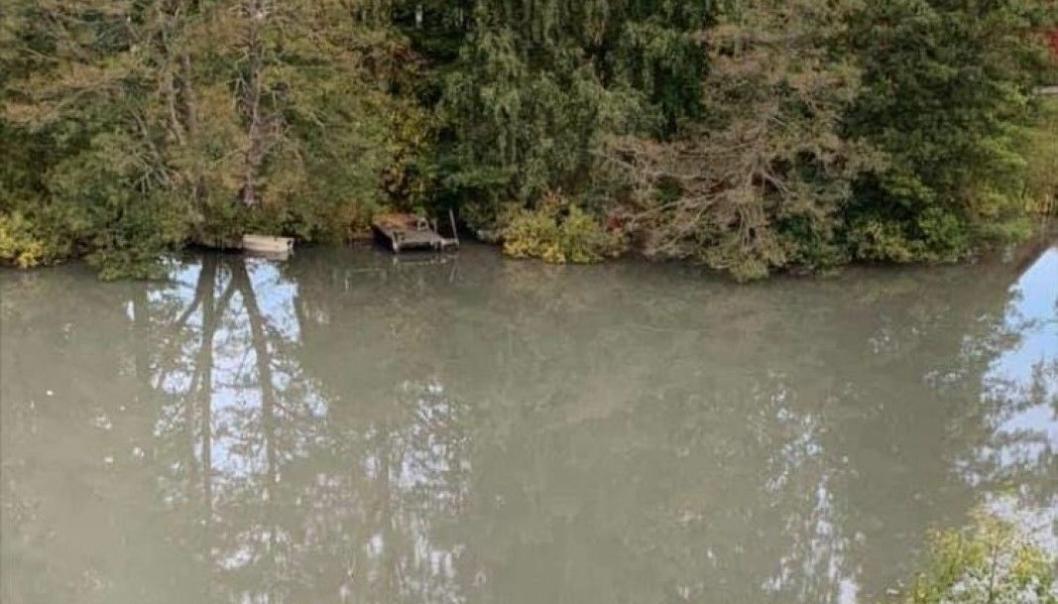 SLIK SÅ VANNET UT 25. SEPTEMBER. Vannet i Veslebukta ser grått ut ennå.