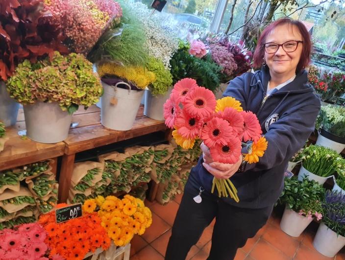 – DRØMMEBUTIKK: – Dette blir min drømmebutikk fra nå av! sier Meliha Halilcevic som er veldig glad i blomster.