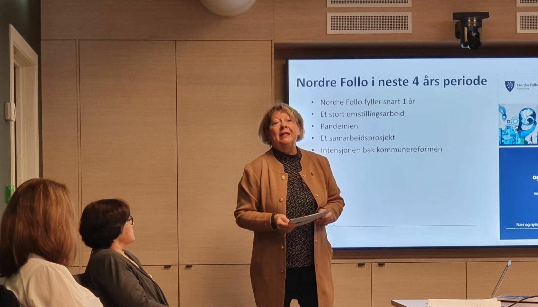 PRESENTERER: Konstituert rådmann Jane Short Aurlien under presentasjonen i Nordre Follo rådhus fredag morgen.
