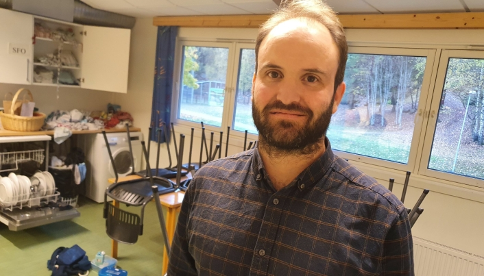 HAR STOR TRO PÅ FAGLÆRTE: Kontaktlærer Henrik Helseth (38).