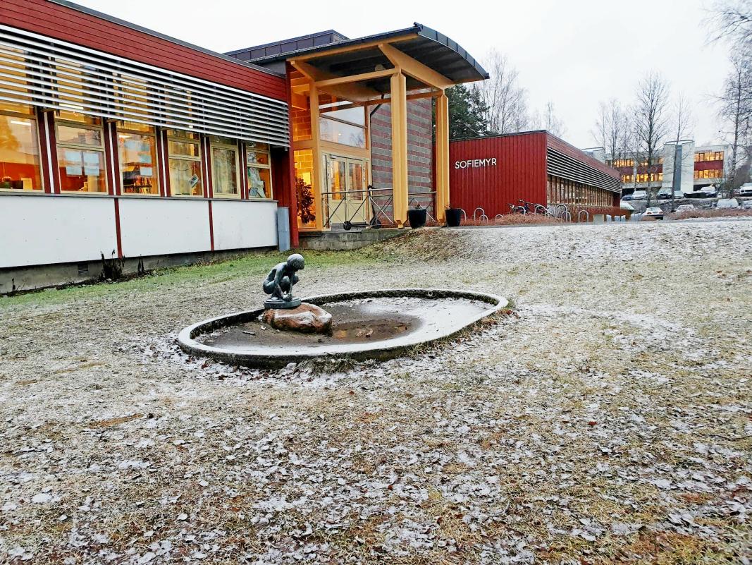 PÅVIST SMITTE PÅ BARNESKOLEN: Ett av de totalt 14 nye smittetilfellene er knyttet til barneskolen på Sofiemyr.