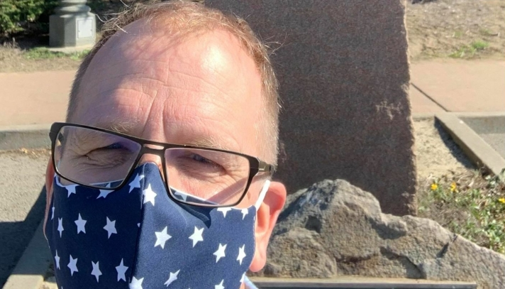 PÅ PLASS: Helge Marstrander kom til San Fransisco forrige helg. Munnbindet er aldri langt unna.
