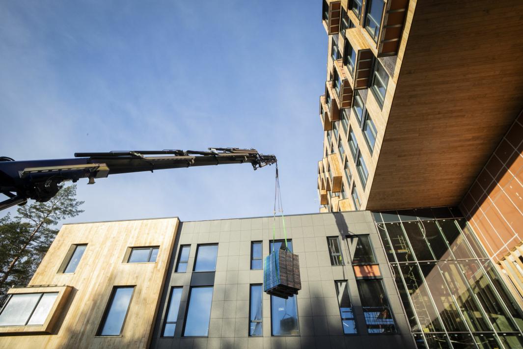 SKAL ÅPNES I 2021: Det nye hotellet skal åpnes i 2021. Slik så det ut for en uke siden. Foto: Kristian Gundersen