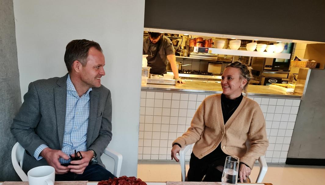 MÅ SE POSITIVT: Vebjørn Aarflot og Helene Jahren har vært gjennom tøffe tider allerede i år. Nå kommer en ny runde. – Vi skal komme tilbake, sier de optimistisk