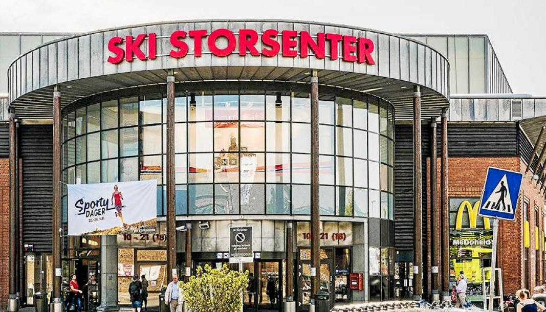 FIKK BOT: Tirsdag 3. november oppsøkte en koronasmittet mann flere butikker i Ski, selv om han skulle være i isolasjon.