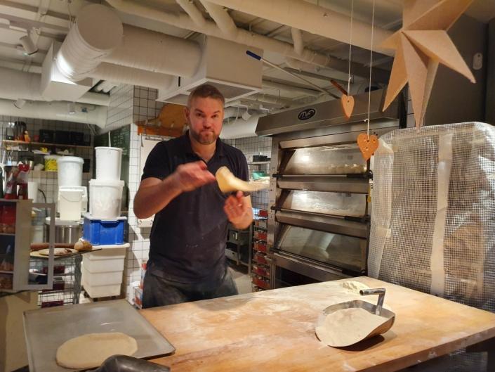 200 PIZZABUNNER: Det skal lages cirka 200 pizzabunner per uke.
