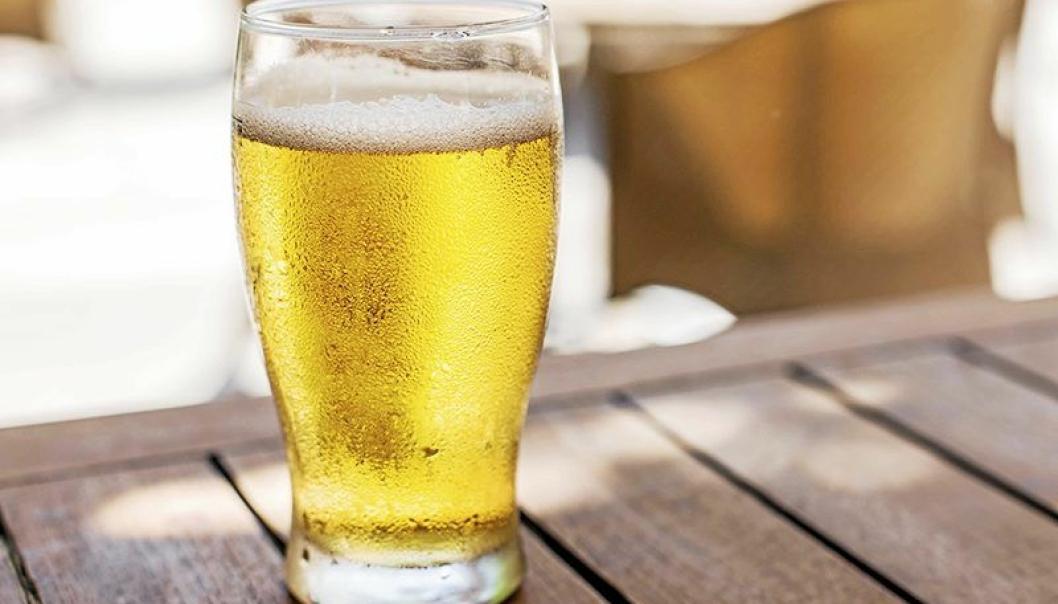 ØLSERVERINGEN ÅPNES IGJEN: Nå kan du får kjøpt øl på stedene med skjenkebevilling, men du må også kjøpe mat.