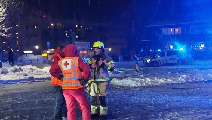 LOKALE FRIVILLIGE I AKSJON: Bildet er tatt på det første aksjonsdagen. Foto: Oppegård Røde Kors