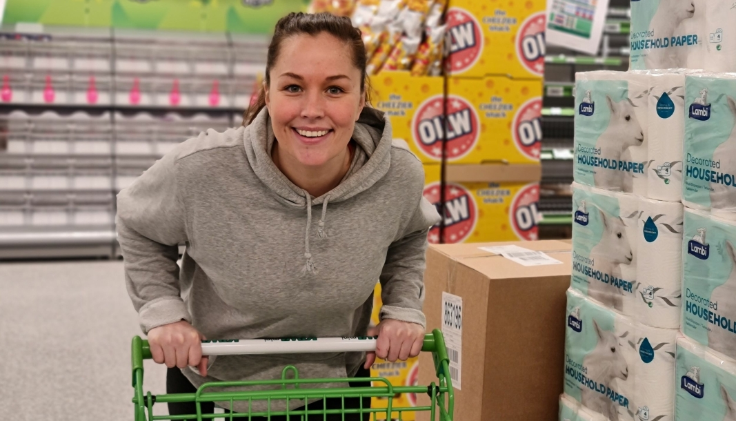 SJEFEN: Malene Lindberget fra Oslo er butikksjef for den nye Kiwi-avdelingen på Sofiemyr. Hun har jobbet i lavpriskjeden siden 2008.