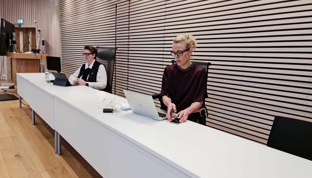 INNGRIPENDE TILTAK: Kommuneoverlege Kerstin Anine Johnsen Myhrvold og ordfører Hanne Opdan opplyste om den dramatiske utviklingen fredag formiddag.