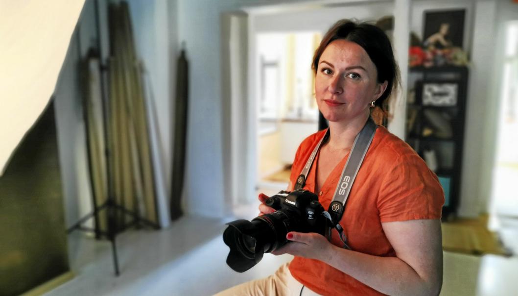 GIKK HELT TIL TOPPS: Natalia Pipkina bor med familien på Tårnåsen og driver eget fotostudio i Oslo. Foto: Sigbjørn Vedeld.