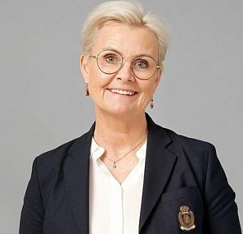 SOLGT: Eiendomsmegler Toril Wetter Sæther i Krogsveen solgte boligen som gikk mer enn to millioner over takst.