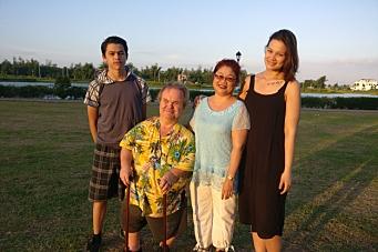 – Håper jeg snart får se igjen familien min