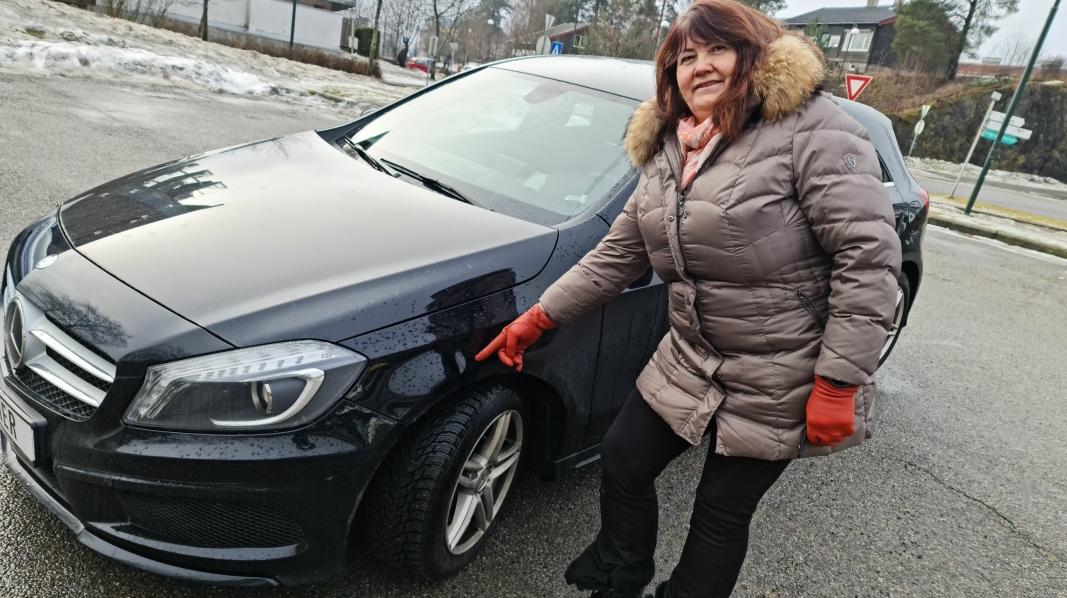 BULK OG SKRAPE: Anne Grethe Heier fra Kolbotn ønsker å komme i kontakt med sjåføren som først kjørte på henne, for så å stikke av da de skulle skrive skademeldingsskjema.