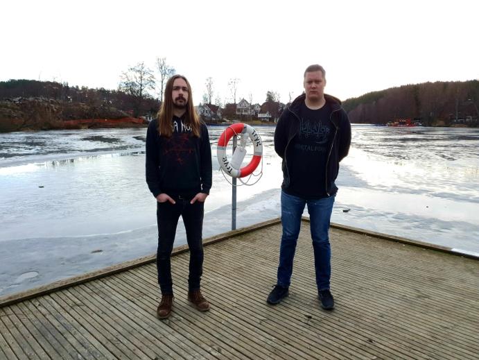 TO AV TRE BOR NÅ I OSLO: Carl Christian Holm (33) bor fortsatt på Ingierodden, men Sindre Solem (33) flyttet fra Kolbotn til Oslo for ti år siden. Til tross for at mesteparten av bandet bor i Oslo for tiden, møttes de ofte for å spille sammen. Foto: Yana Stubberudlien