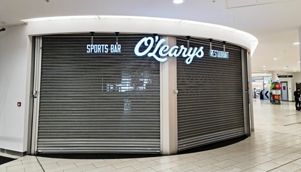 STENGT: Det har vært mørkt i lokalene til O'Learys siden romjulen. Forrige uke ble restauranten slått konkurs.