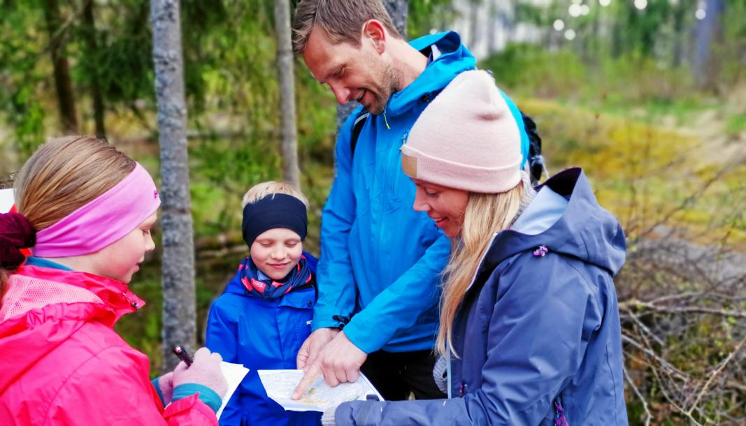 HVER SIN OPPGAVE: Familien Hanssen-Owe var en av mange som var med på Skautraver'n i fjor. Alle fire i familien var engasjert med. Espen Hanssen, Maren Owe, Mathilde Aurora (10) og Benjamin Hanssen-Owe (7).