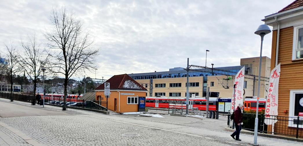 SKAL VÆRE STENGT I FIRE DAGER: Bane NOR benytter påsken til både vedlikeholdsarbeid på Østfoldbanen og til utbygging av blant annet Follobanen. Foto: Yana Stubberudlien
