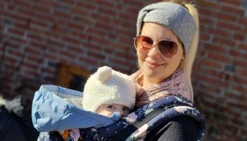 BETYR MYE: Theres Magnusson og lille Julian har stor glede av å gå på babysang i Sofiemyr kirke.