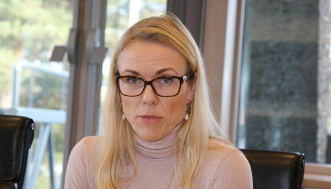 NEST HØYESTE RISIKONIVÅ: Kommuneoverlege Kerstin Anine Johnsen Myhrvold har vurdert at smittesituasjonen i Nordre Follo nå er i nest høyeste risikonivå (risikonivå fire, utbredt smittespredning). Foto: Sigbjørn Vedeld