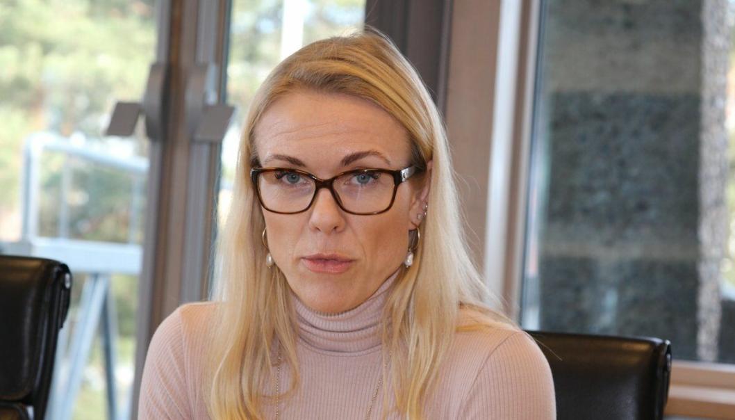 PEKER MOT DET HØYESTE RISIKONIVÅET: Kommuneoverlege Kerstin Anine Johnsen Myhrvold har vurdert at smittesituasjonen i Nordre Follo nå er i nest høyeste risikonivå (risikonivå fire, utbredt smittespredning), men at enkelte parametere i smittestatistikken for forrige uke peker mot at Nordre Follo er i risikonivå fem. Foto: Sigbjørn Vedeld