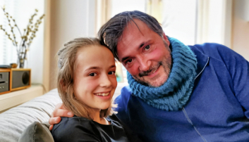FAR OG DATTER: Lisa og pappa Tommy deler den store gleden musikken gir. Dette bildet er fra i fjor da de lanserte låten «Tia går fort»