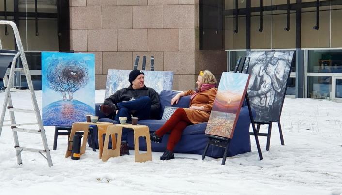 """BOKLANSERING: : Bokslipp av kunstboka """"Liv laga i forstadshelvete"""" med Reidun Falk og John Harald Falk- Stenseth, fant sted på Rosenholm Campus, den 13. mars. Den ble vist digitalt."""