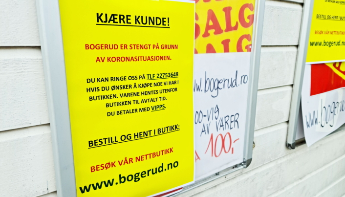 KLART BUDSKAP: Det er stengt i Prinsdal, men Bogerud har funnet flere alternative måter til å hjelpe kunder som trenger varer av dem.