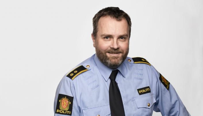ROSER NORD I KOMMUNEN: Politioverbetjent og seksjonsleder for Nærpolitiet ved Follo politistasjon, Marius Gunnerud. Foto: Erik Thallaug