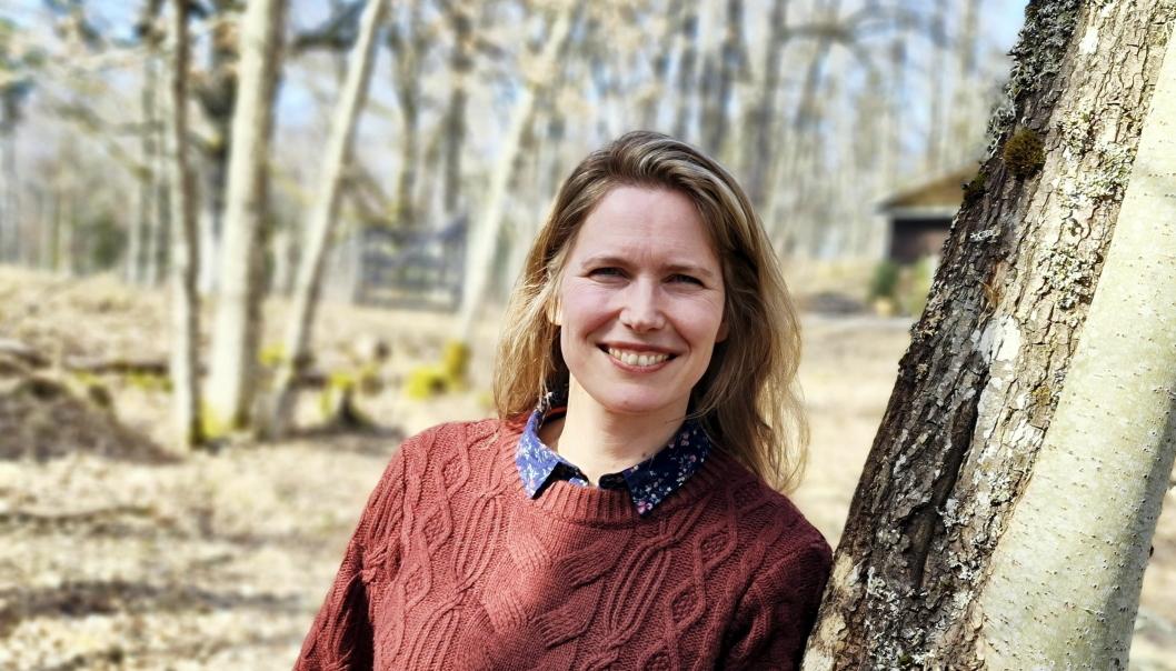 DEBUTANT: Maria Alnæs fra Svartskog debuterer som forfatter. Nylig ble romanen Tjeneren utgitt på Tiden forlag.