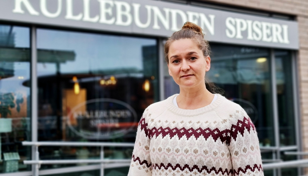 FIKK KORONASTØTTE: Kullebunden spiser og daglig leder Anette Kristin Embretsen har lagt bak seg et knalltøft år. Nå kommer koronastøtten fra kommunen svært godt med.