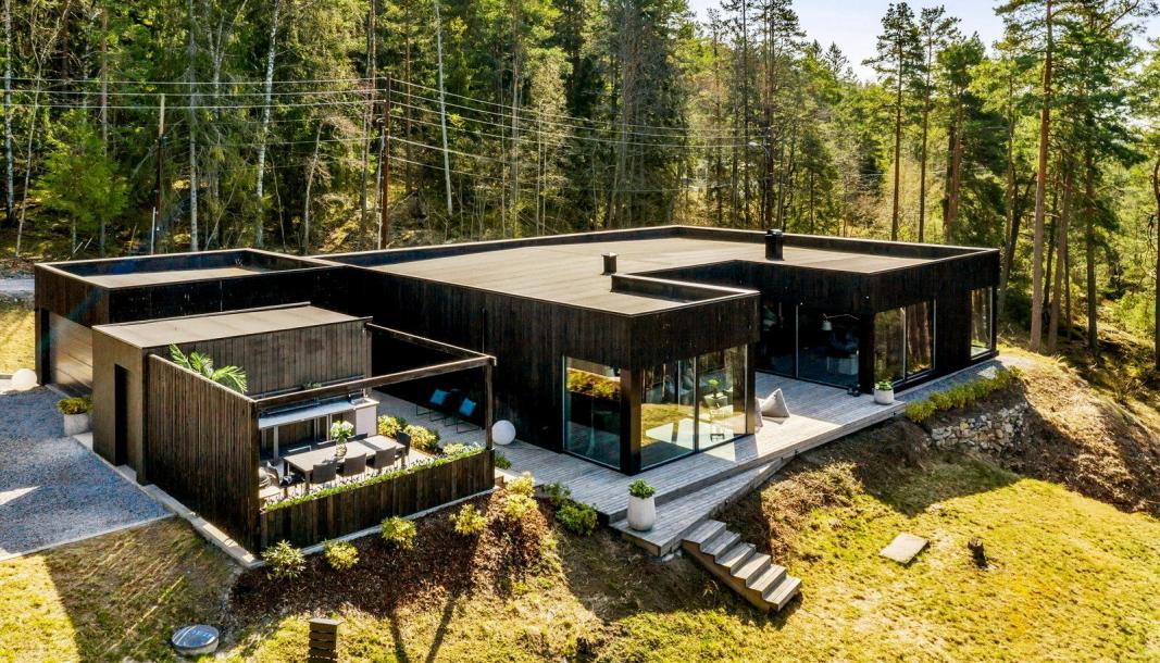 SOLGT I REKORDFART: Det tok bare fem dager før atriumshuset på Svartskog ble solgt.