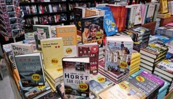 HØYDEPUNKTER: Butikksjefen i den lokale bokhandelen sier det er vanskelig å finne bare noen få høydepunkter fra årets maisalg. Her er noen av dem.