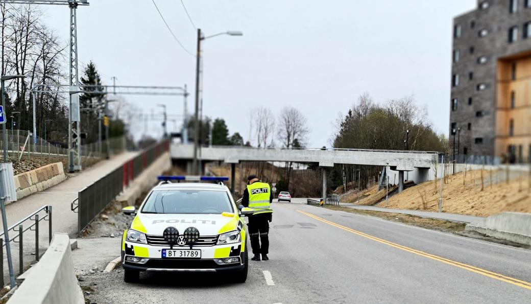 HYPPIG KONTROLL: Onsdag var politiet tilbake i 40-sonen på Greverud. Dette bildet er fra kontrollen for tre uker siden.