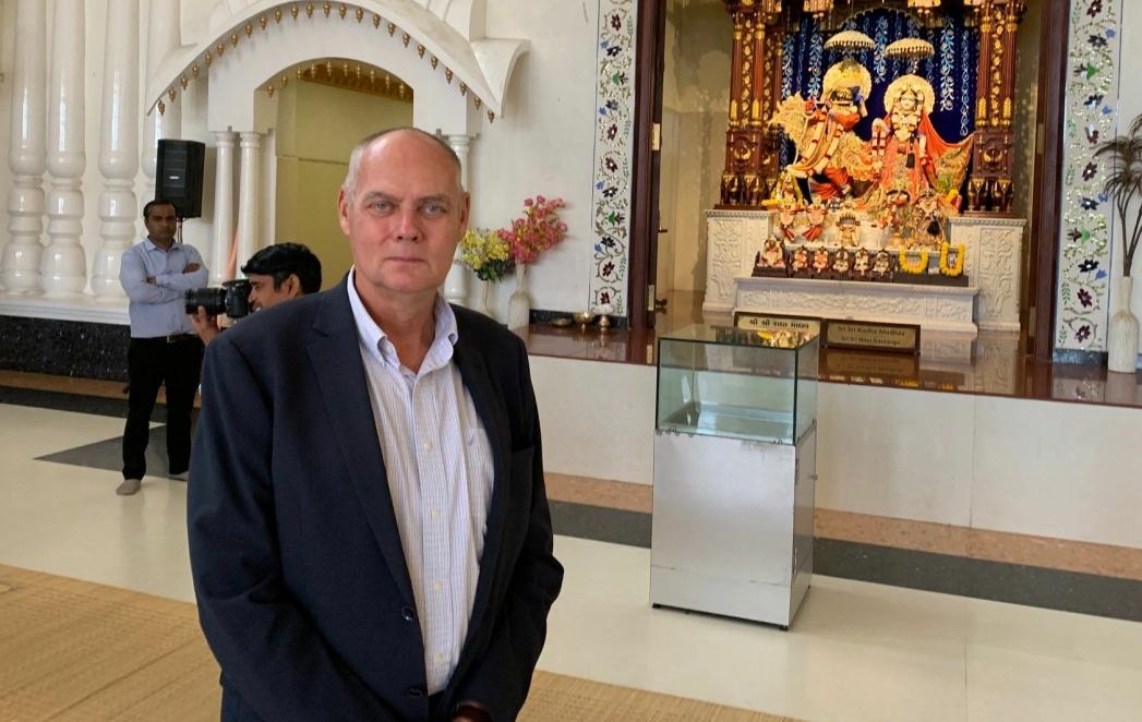 TO ÅR SOM KONSUL I INDIA: På bildet kan du se Henrik Width på et hotell i New Delhi. Foto: Terhi Width