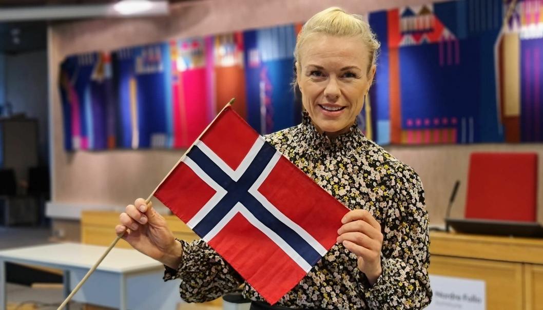 SLIK SKAL HUN FEIRE: Kommuneoverlege Kerstin Anine Johnsen forteller om sin egen feiring, og gir samtidig noen gode råd for å ha en trygg fest på mandag.