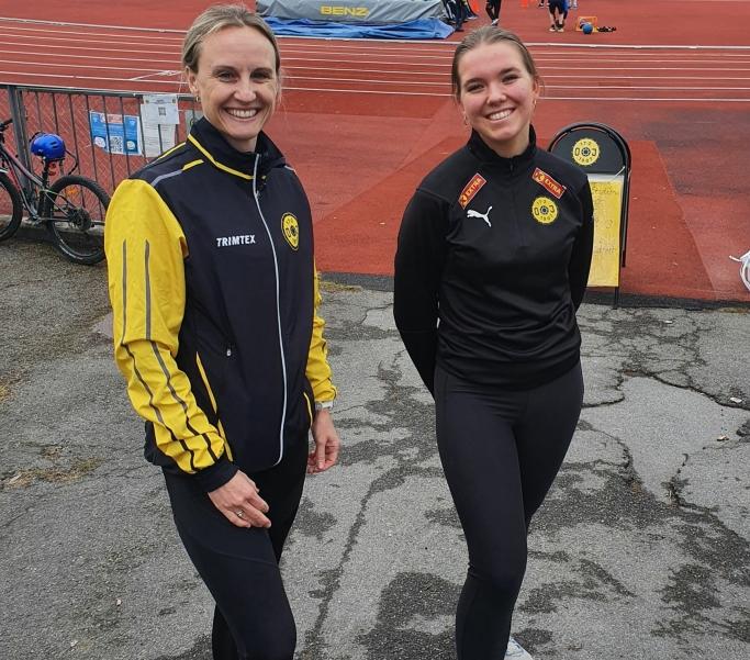 SENTRALE: Kontaktperson Mette og instruktør Anna gleder seg til friidrettsskolen i uke 32.