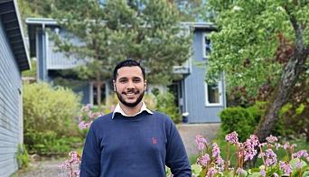 MANGE VILLE SE: Eiendomsmegler Fahad Khawar hadde cirka 50 interessenter på visning i Skogkanten.