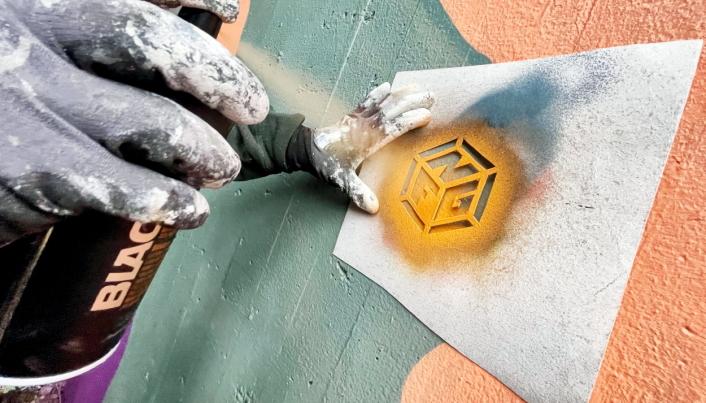 GATEKUNST: Nordre Follo Gatekunst har fått i oppgave å dekorere flere kommunale flater og bygg. Foto: Nordre Follo Gatekunst